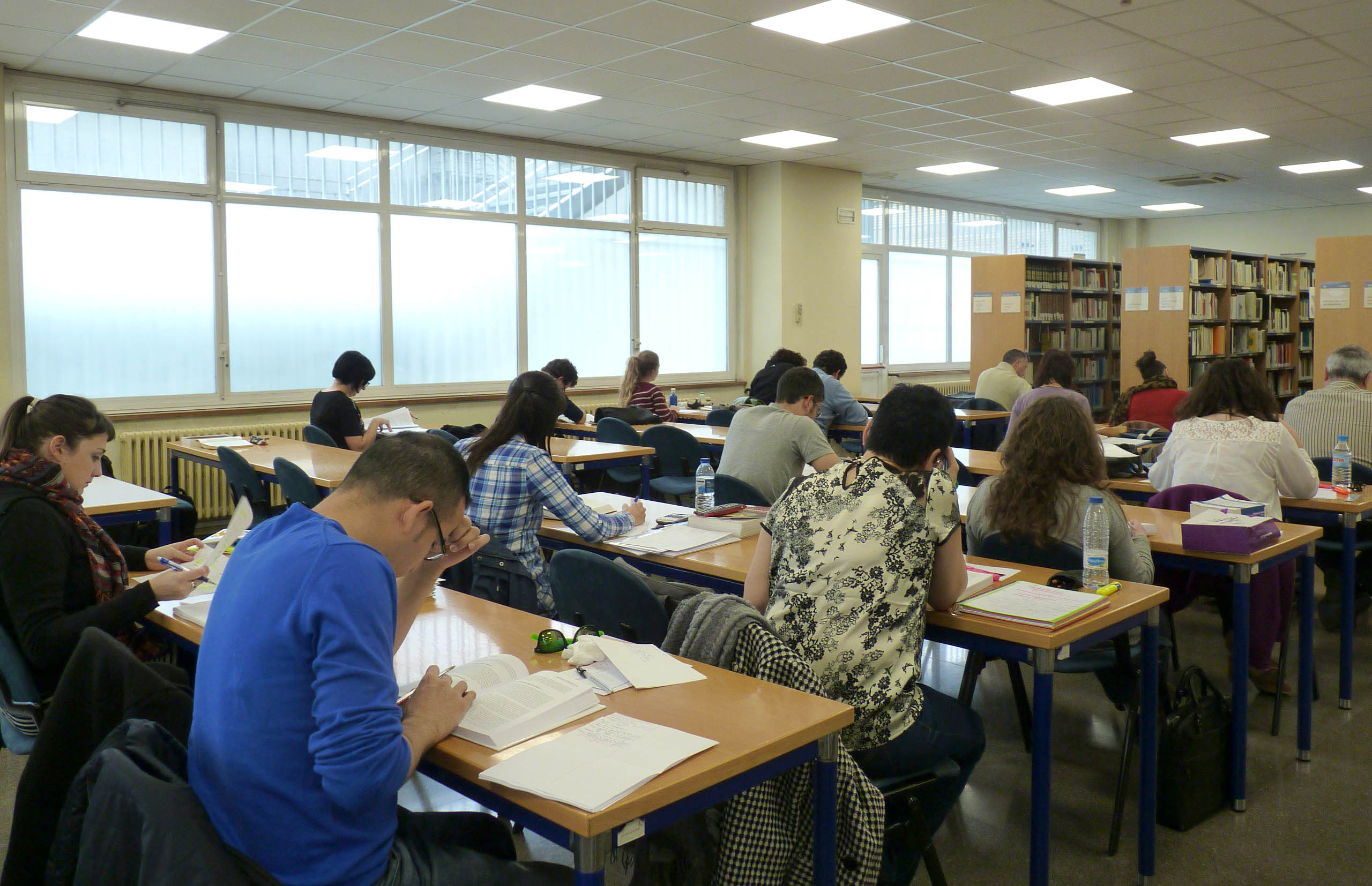 Uned pamplona for Biblioteca uned