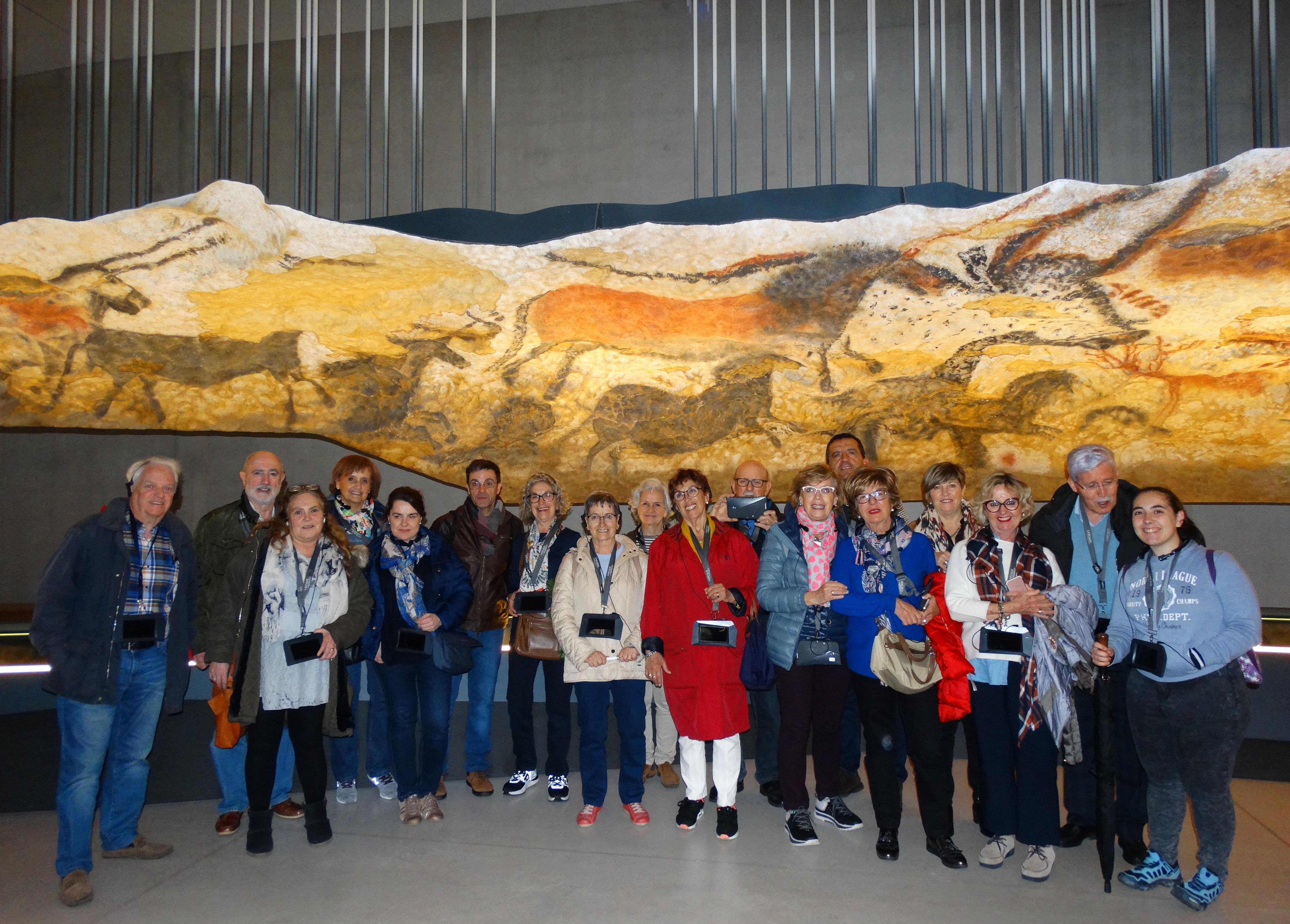 Uned Pamplona Cursos Y Actualidad Estudiantes Del Programa Uned Senior Visitan La Localidad Francesa De Sarlat